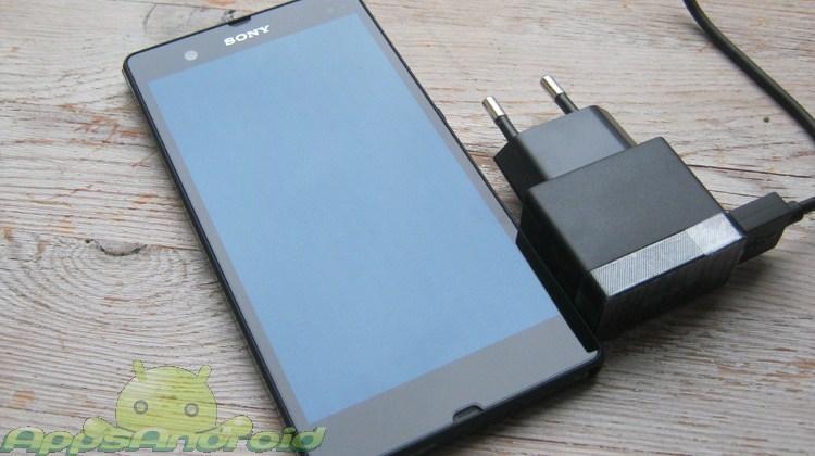 Sony Xperia Z med lader
