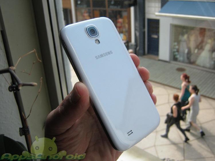 Samsung Galaxy S 4 test back