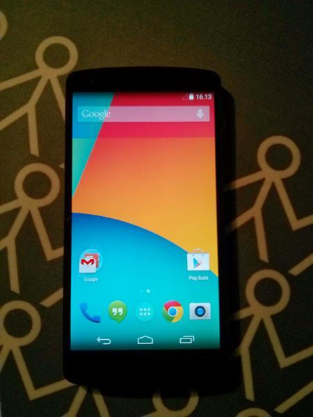 Nexus 5 front